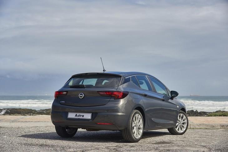 Opel Astra (2019) Specs & Price - Cars co za
