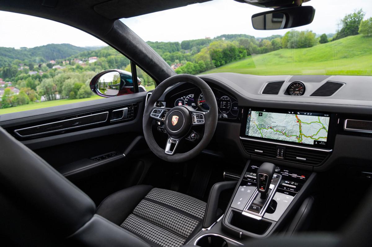 Porsche Cayenne Coupe (2019) International Launch Review