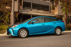 Toyota Prius (2019) Review