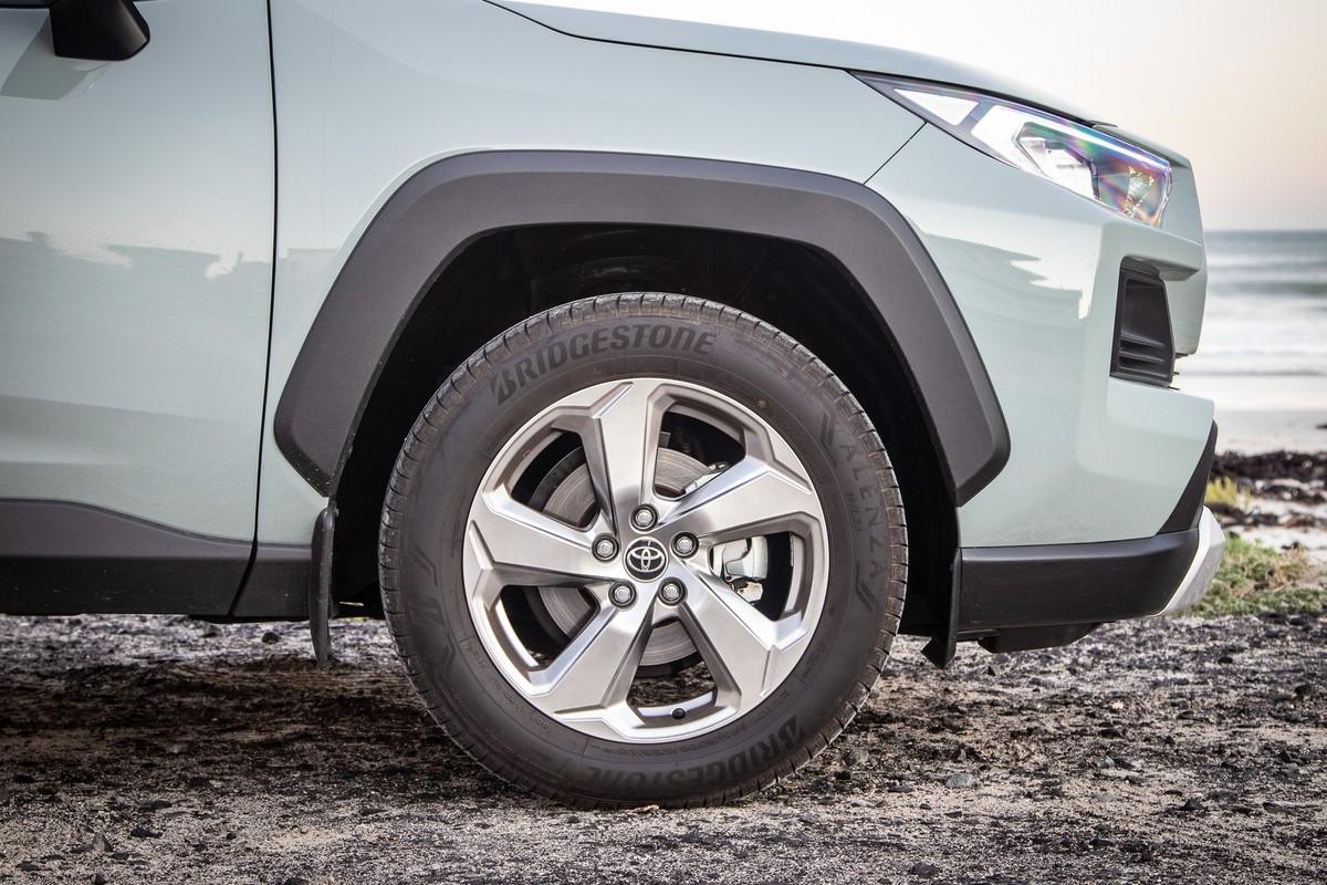 Toyota RAV4 2 0 AWD GX-R (2019) Review - Cars co za