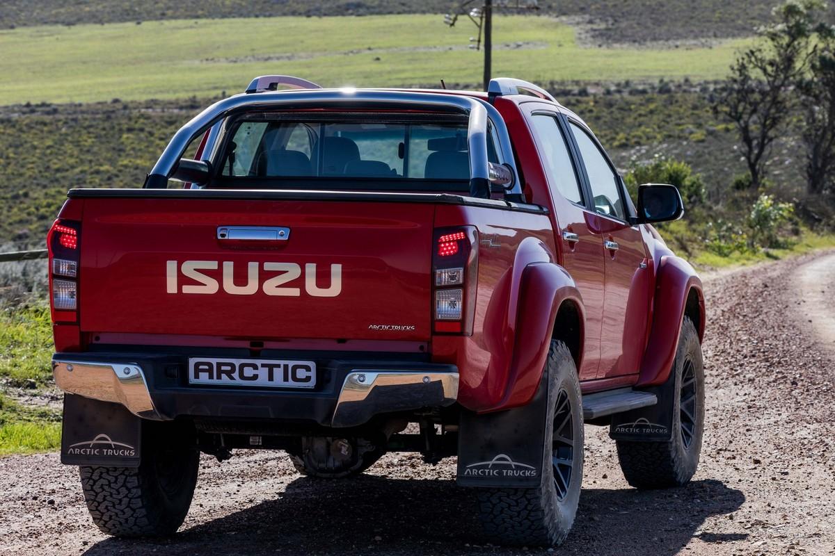 Isuzu D-Max Arctic AT 35 (2019) Launch Review - Cars co za