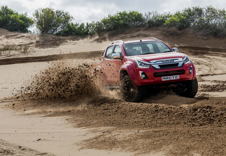 Isuzu D-Max Arctic AT 35 (2019) Launch Review - Cars co za