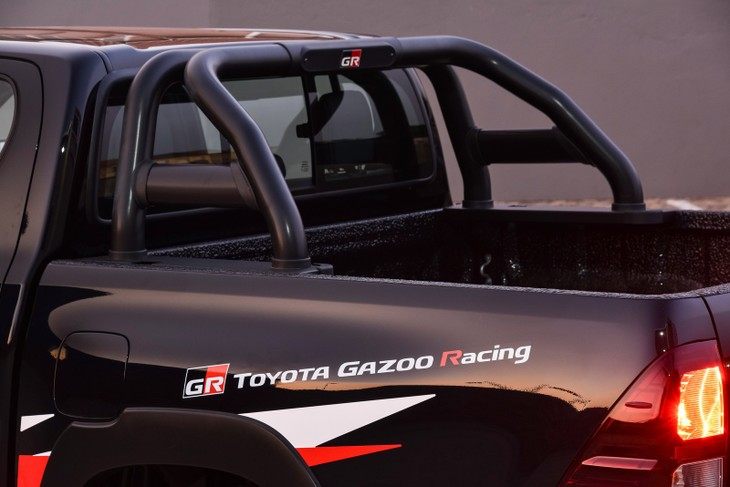 Toyota Hilux GR Sport (2019) Launch Review - Cars co za