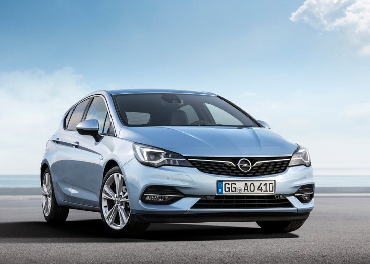 Opel Astra Receives Mild Facelift Carscoza