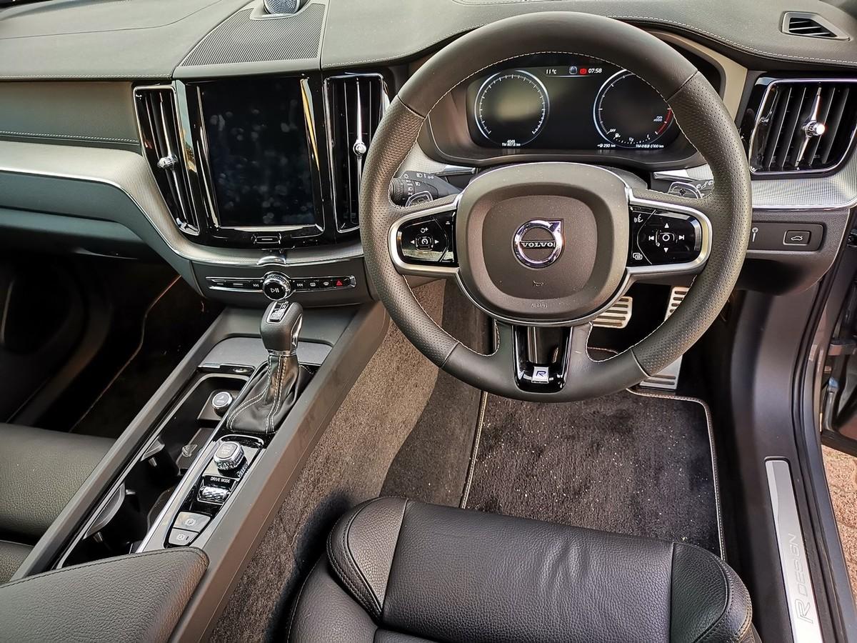Volvo Xc60 D4 R Design 2019 Review Cars Co Za