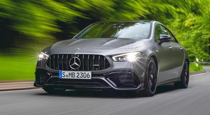 Mercedes AMG CLA45 1