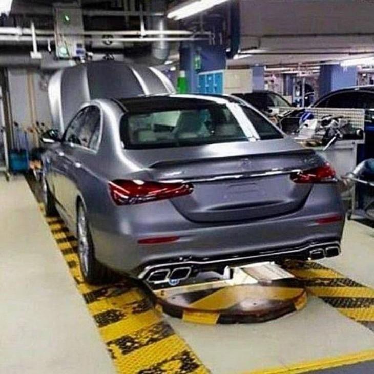 Mercedes E63 AMG  768x768