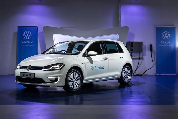 Volkswagen E Golf 010 880x500