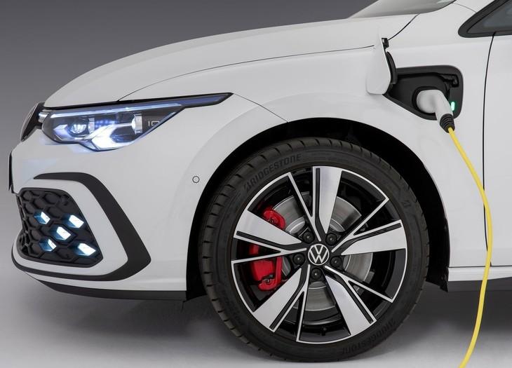 Volkswagen Golf GTE 2021 1600 0d