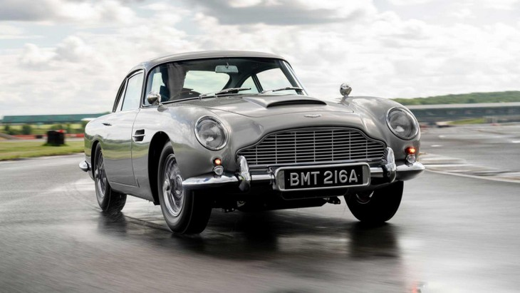First Aston Martin Db5 Goldfinger Continuation Car