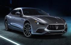 17 Maserati Ghibli Hybrid