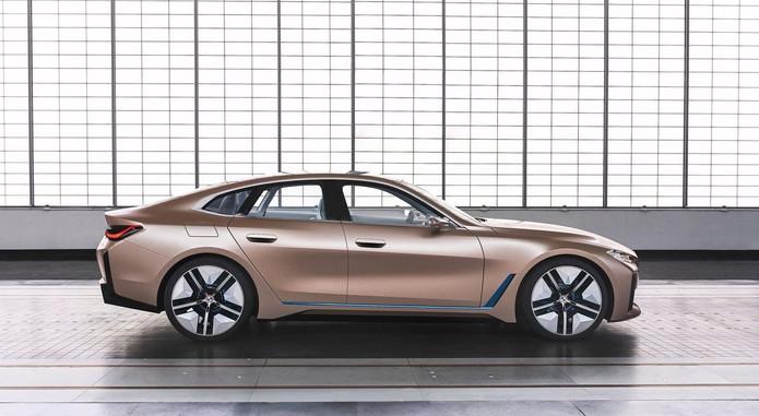 BMW I4 B