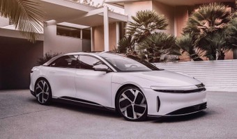 Lucid Air Dream Edition Front 3 4 View