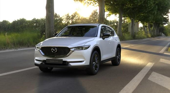 6 Mazda Cx 5 Ce Front Snowflake White Pearl 1800x1800