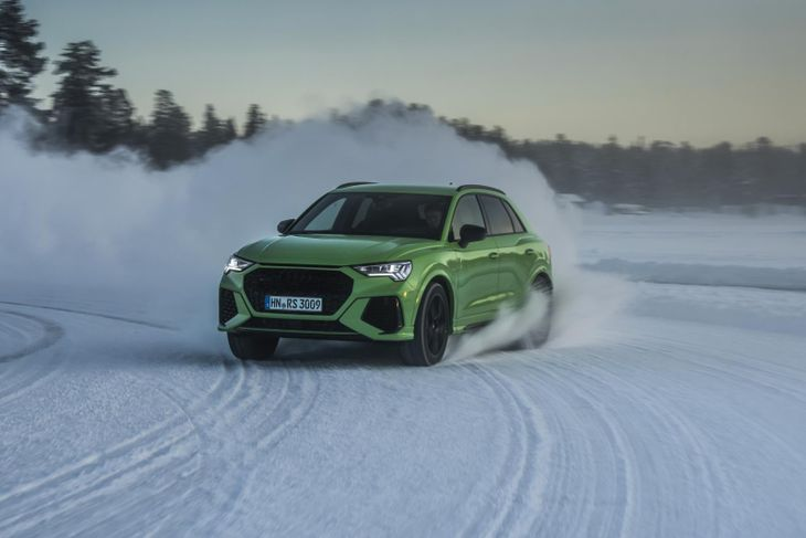 Audi-RSQ3-snow
