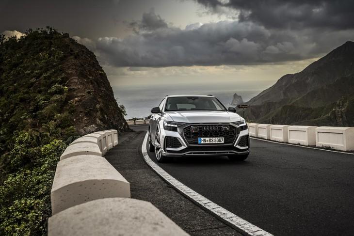 Audi-RSQ8-front