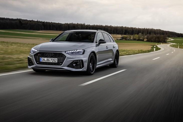 Audi-RS4-Avant-Front
