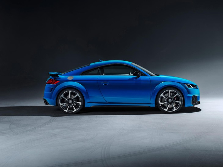 Audi-TTRS-Coupe-side