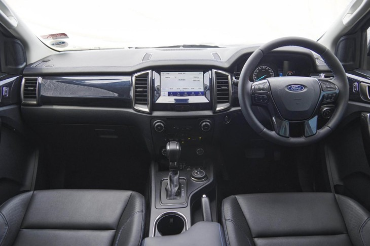 Ford-Everest-Sport-Interior