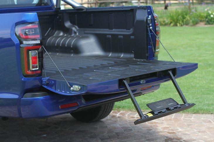 GWM P Series rear step