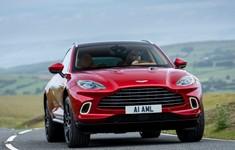 Aston Martin DBX Hyper Red 2021 1600 22