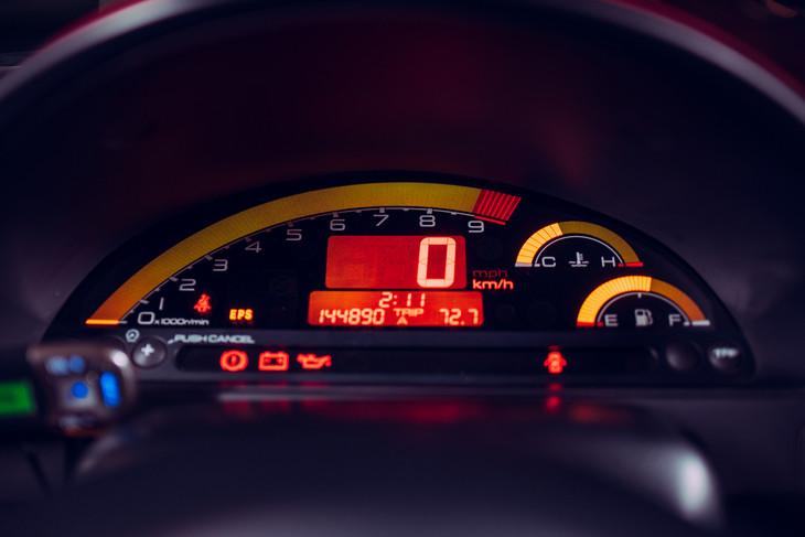 Honda-S2000-dials