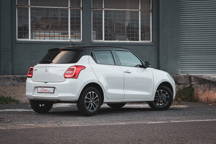 Suzuki-Swift-rear