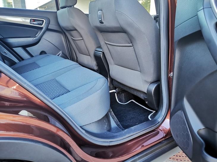 Toyota-Urban-Cruiser-legroom