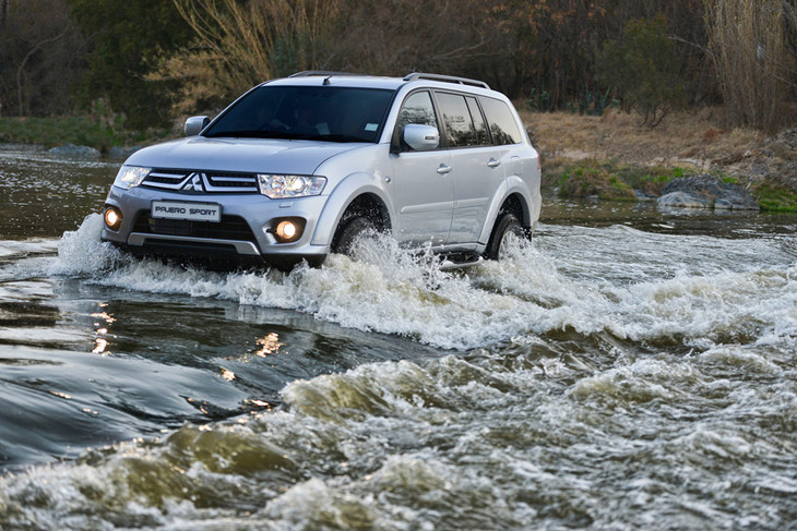 Mitsubishi Has Unveiled An Updated Pajero Sports SUV Featuring A Few  Cosmetic Changes And Interior Revisions As Well As A More Powerful Common  Rail Turbo ...