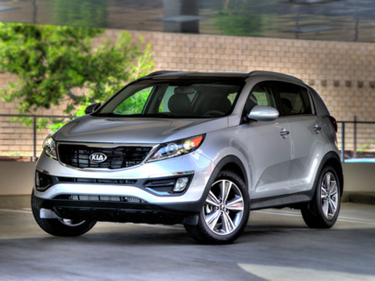 Kia Has Introduced The 2014 Model Year Version Of The Sportage Which Was  First Launched Back In 1993. The Complete Restyle For 2014 Features A  Revised ...