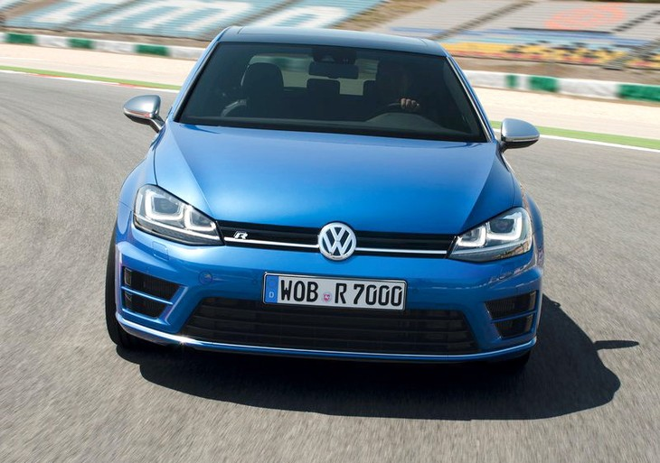 Volkswagen Golf R 2014 800x600 Wallpaper 0e