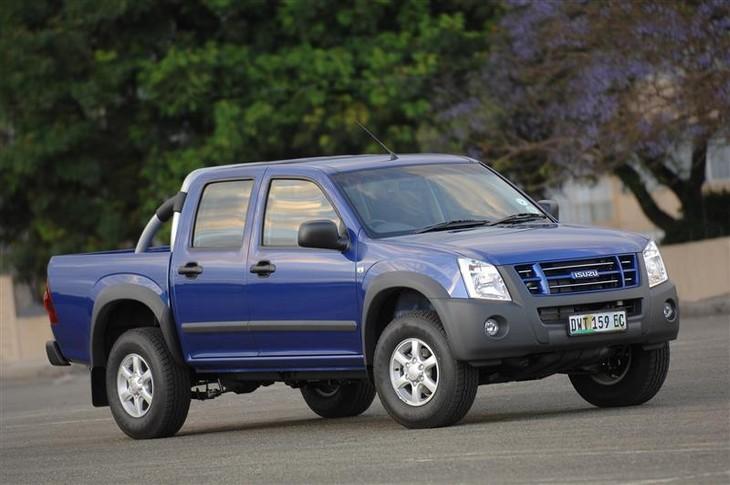 Isuzu KB250 D-TEQ Double-Cab LE 4x2 (2008) Driving Impression - Cars