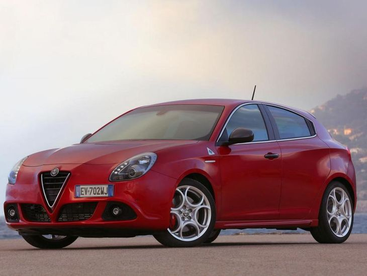 Alfa Romeo Giulietta Quadrifoglio Verde And Mito 4