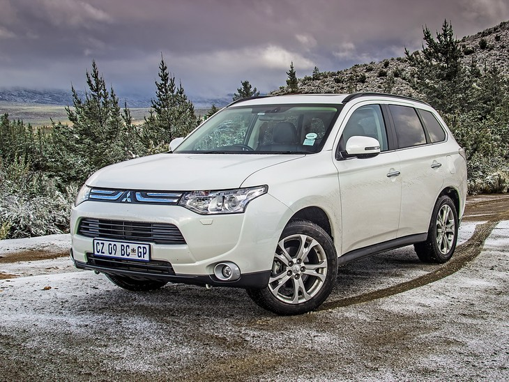 The 2014 Mitsubishi Outlander Offers A Great Blend Of Practicality,  Sensibility And Thanks To A Generous Helping Of Standard Features, This  Seven Seater SUV ...