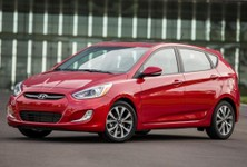 2015 Hyundai Accent Front And Side Angle