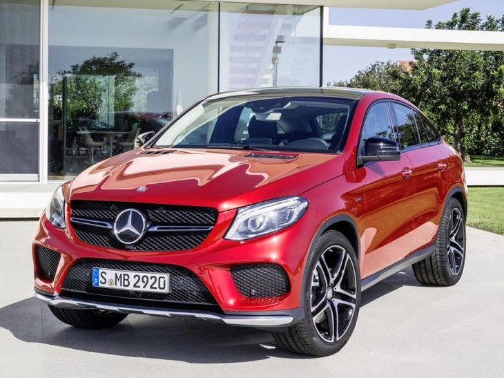 Mercedes Benz GLE Coupe Front And Side