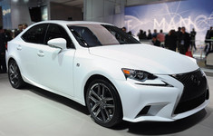 01 2014 Lexus Is Detroit 1358282395