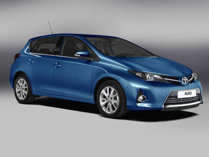 2013 Toyota Auris Pic 1