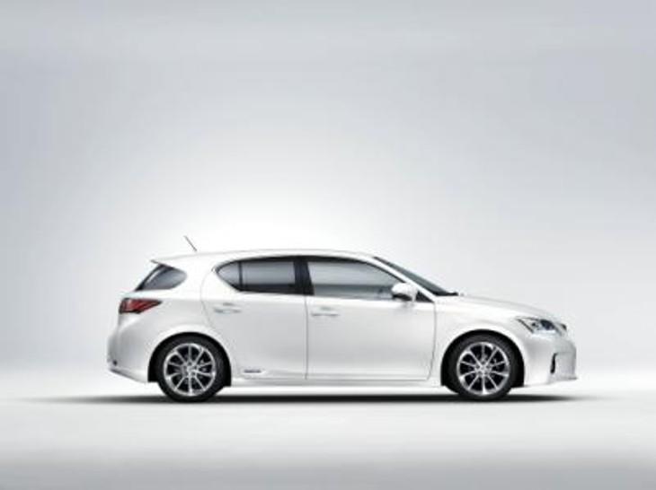 Lexus Ct 200h Side