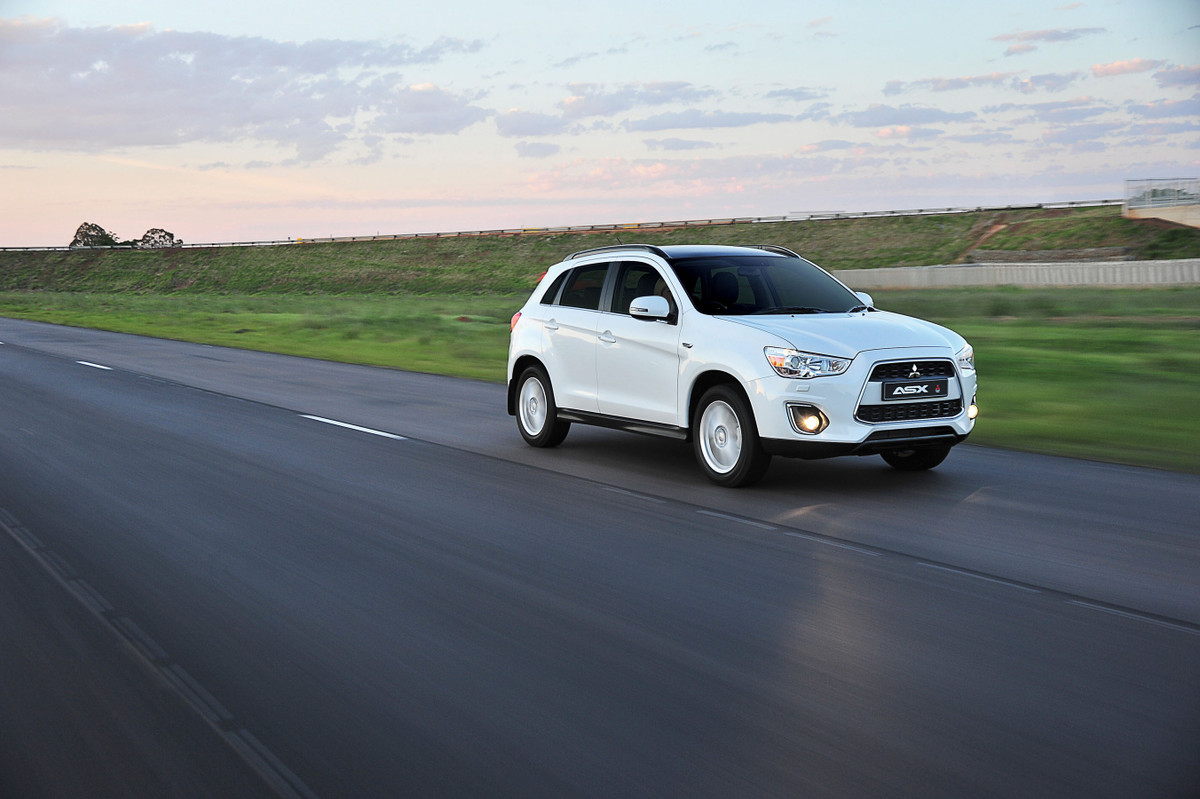 2014 Mitsubishi Asx Launched Specs And Prices Cars Co Za