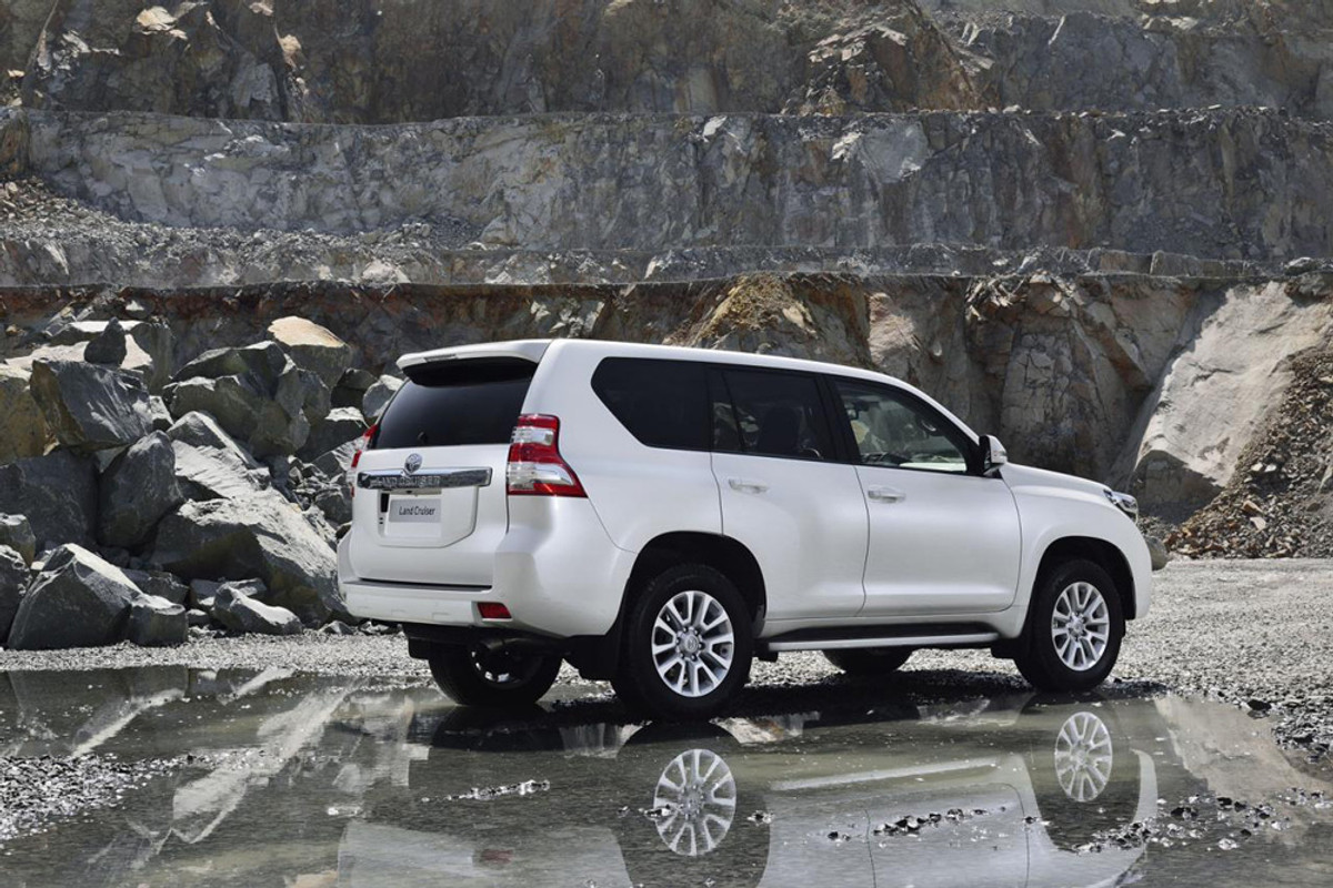 2014 toyota land cruiser prado coming to south africa. Black Bedroom Furniture Sets. Home Design Ideas