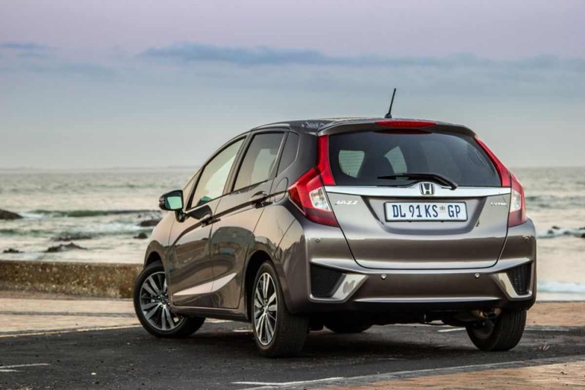 Honda Jazz (2015) Review - Cars co za