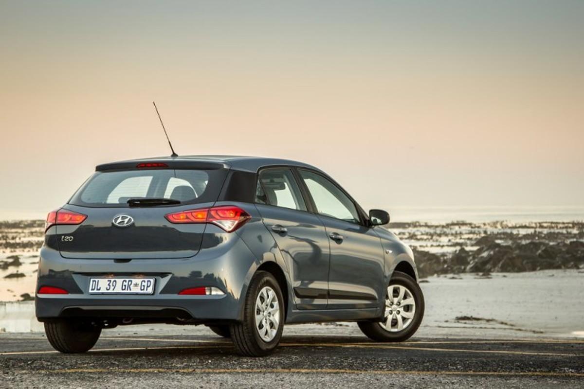 Hyundai i20 1 2 Motion (2015) Review - Cars co za