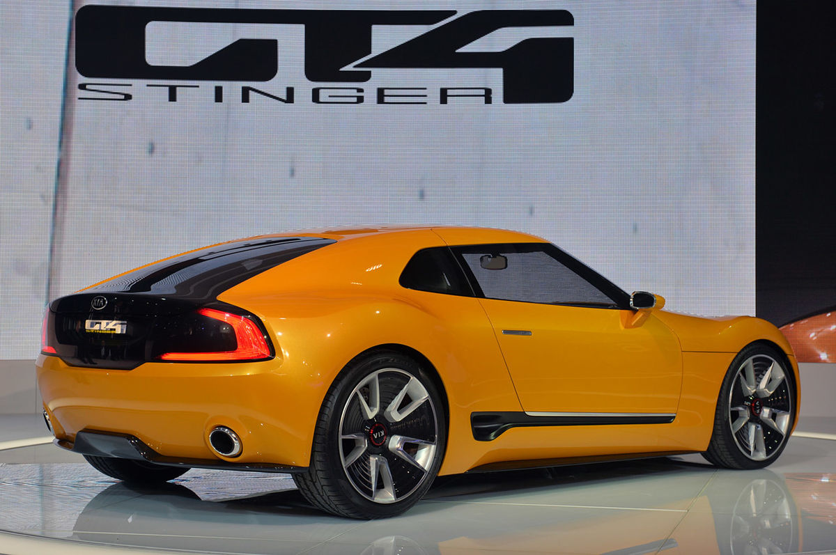 kia gt4 stinger concept introduced in detroit