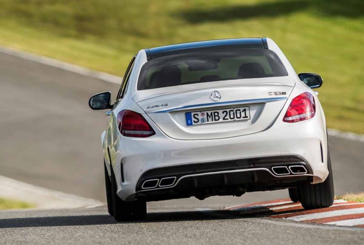c4b213cbf3bc89 The previous-gen Mercedes Benz C63 was a conundrum. Enthusiasts loved it  for having the gruffest exhaust note on the planet and acceleration to roll  your ...