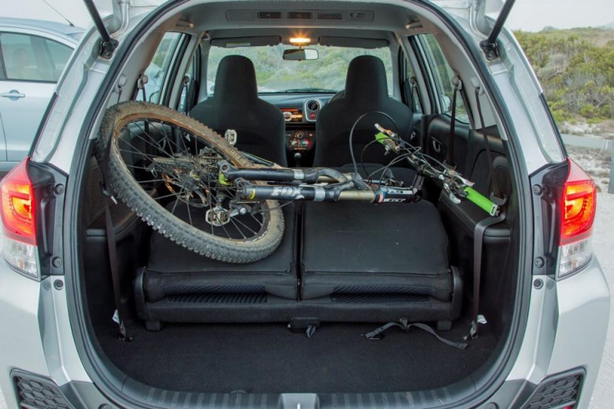 Comparison: Honda Mobilio Vs Suzuki Ertiga