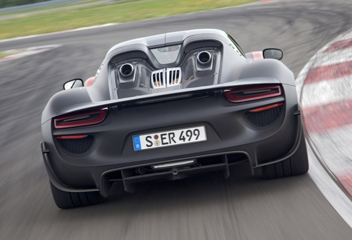 Why The New Porsche 918 Spyder Is Awesome And Important Cars Co Za