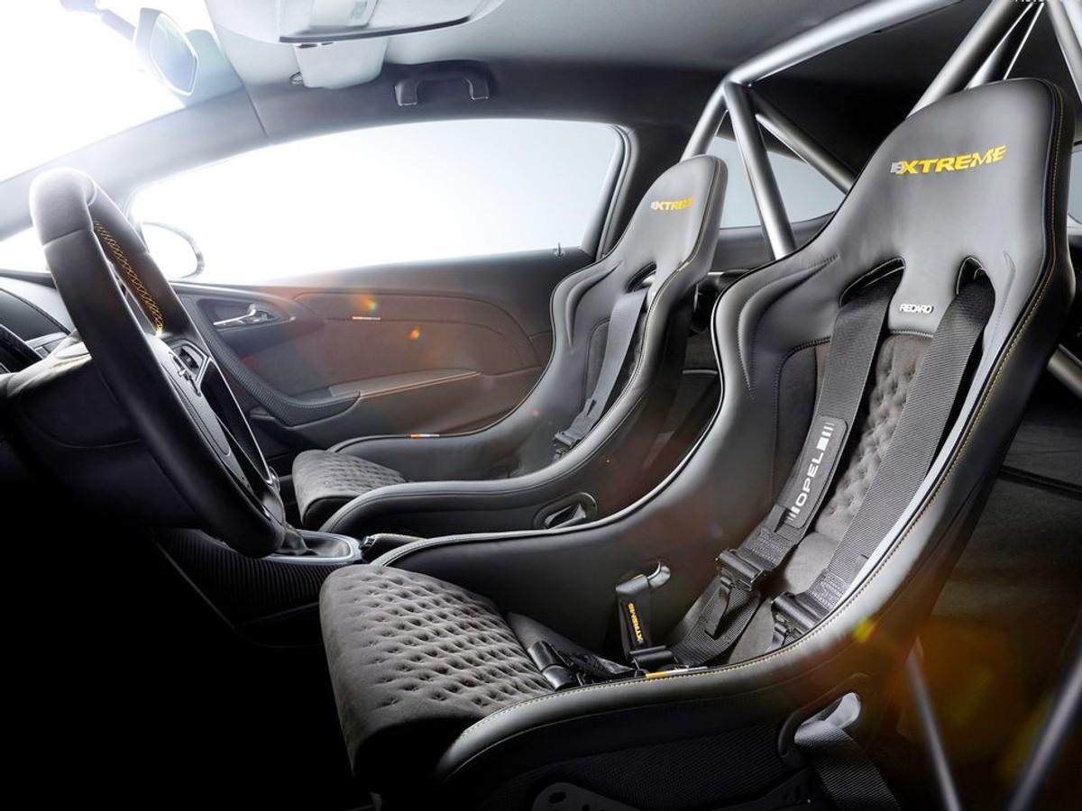 Opel Astra Opc Extreme Ready For Geneva Carscoza