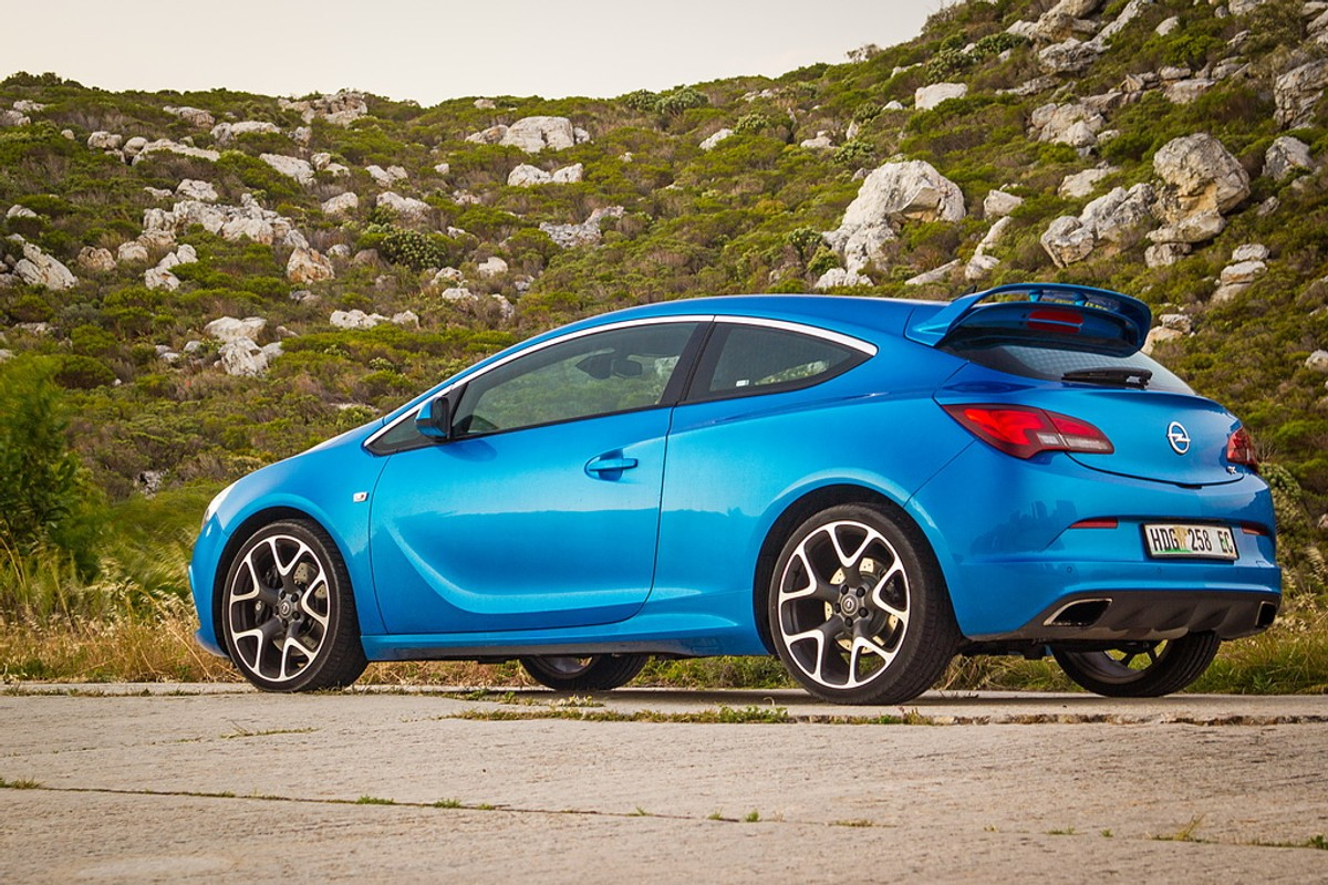 Opel Astra Opc Review >> Opel Astra Opc Review Cars Co Za
