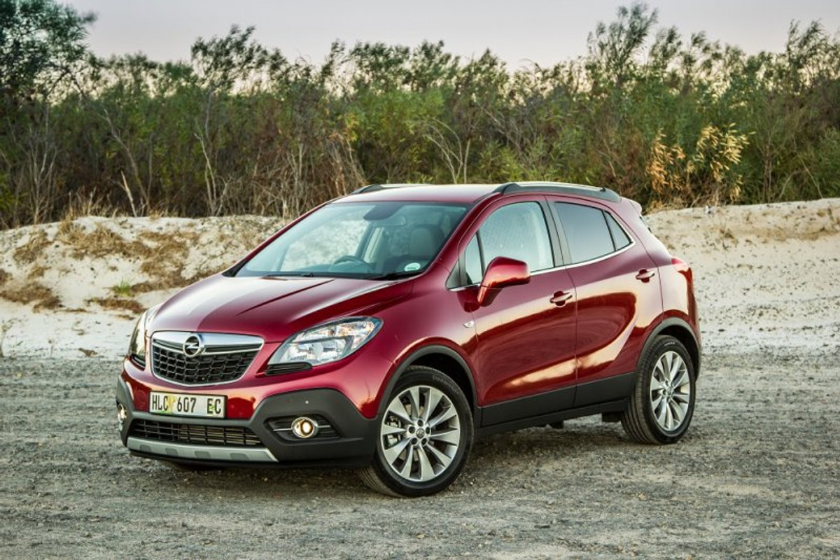opel mokka 1 4t cosmo automatic 2015 review. Black Bedroom Furniture Sets. Home Design Ideas